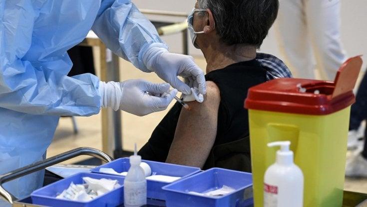 Foto somministrazione vaccino