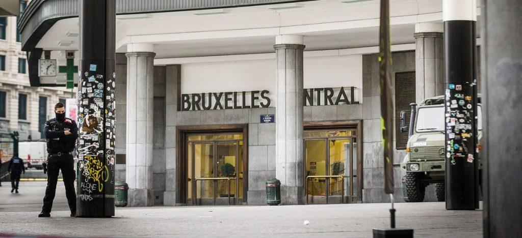 Terrorismo: attacco alla stazione centrale di Bruxelles. Ucciso il terrorista e sventato il colpo