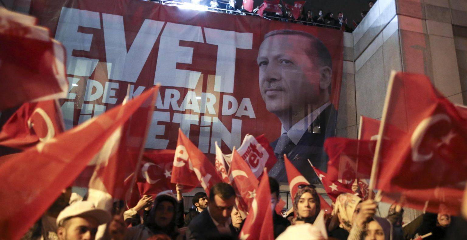Turchia, la riforma costituzionale di Erdogan e il 51% della vittoria