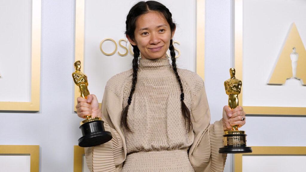 Chloé Zhao trionfa agli Oscar