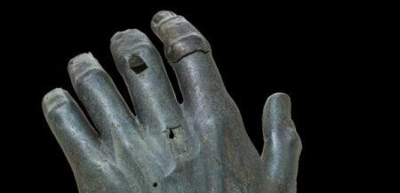 Foto della mano del Colosso di Costantino