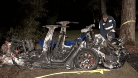 Guida autonoma sotto accusa. Dubbi e perplessità sul nuovo servizio Tesla