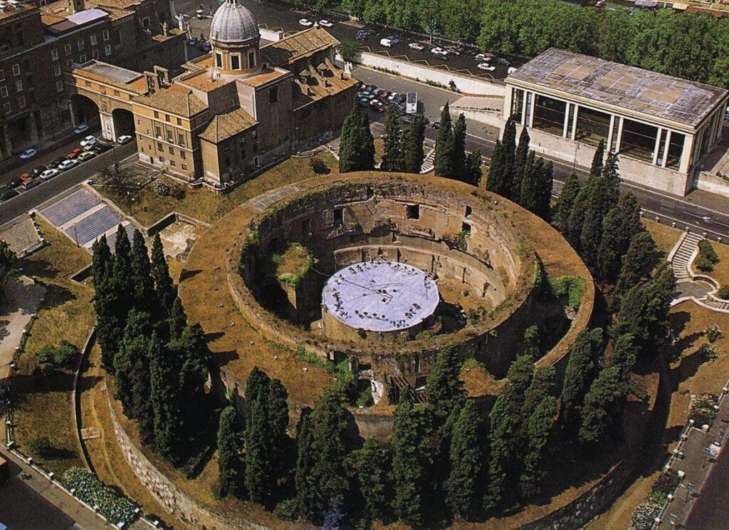 Il mausoleo di Augusto, grandezza archeologica