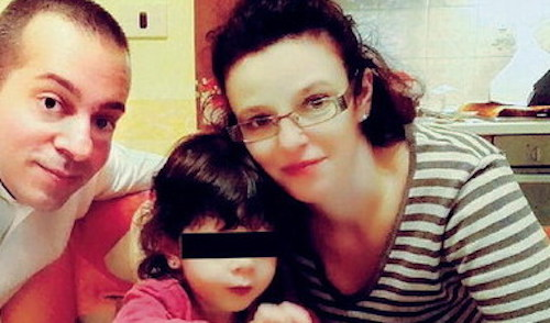 """Torino, neonato morto gettato dal balcone. La madre confessa: """"sono io la donna che cercate"""""""