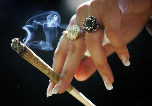 Giovani dipendenti da cannabis e gioco d'azzardo
