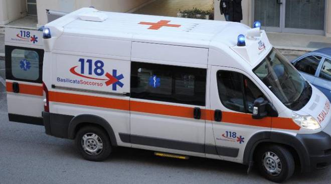 Foto di un'ambulanza del 118