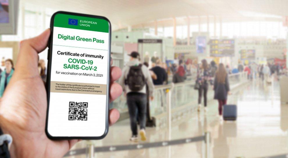 Parlamento europeo approva Green pass