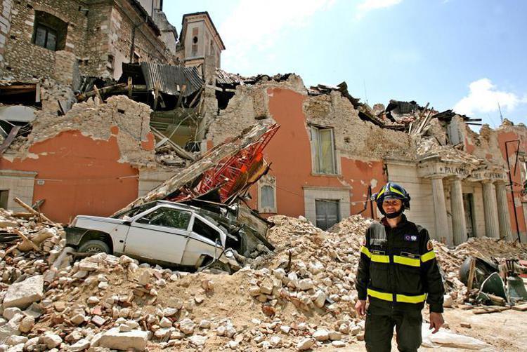 Foto di case distrutte